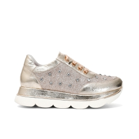 Sneakers in similpelle con strass