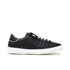 Leather sneakers with box sole, contrasting laces and micro perforated inserts