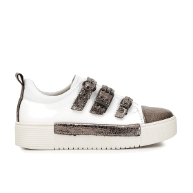 Calfskin sneakers with buckles