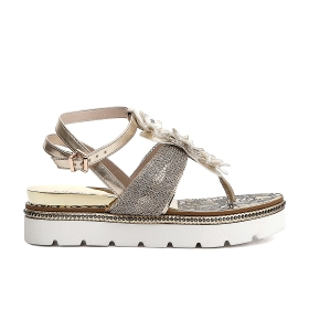 Flip-flops in patent imitation leather