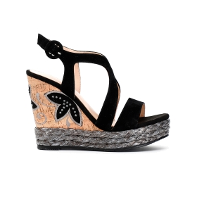 Sandals on raffia and embroidered cork wedge