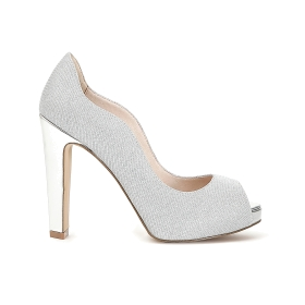 Open toe court shoe in slub fabric with curved front