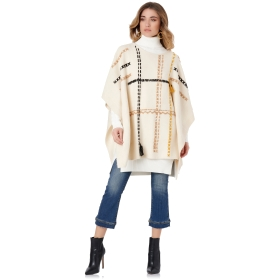 PONCHO AVEC BRODERIE