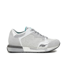 Multi-material running shoes with gold and silver inserts