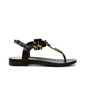 Leather thong sandals with square metal accessories