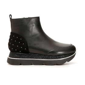 Nappa ankle boots with quilted patched pieces