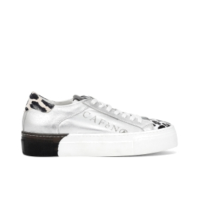 Patent leather trainers with two-tone sole