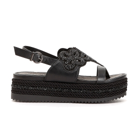 Flip-flops with flowers and glitter