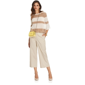 Cut-out top with wide sleeves