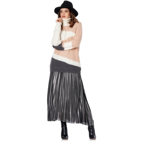 PATENT PLEATED SKIRT