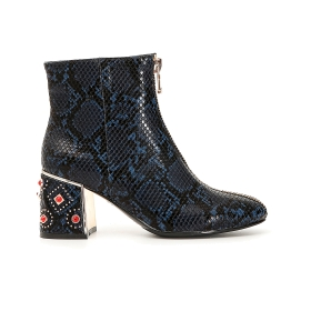 Python print ankle boots with front zip
