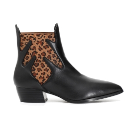 Leather ankle boots with contoured elastic panel
