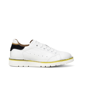 Leather sneakers with contrasting inserts