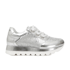 Sneakers in patent leather and sequins
