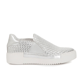 Woven slip-on shoes