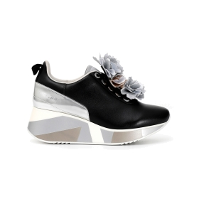 Leather lace-up sneakers with removable floral accessory