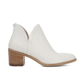 Leather ankle boots with split