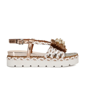 Sandals in imitation raffia with weaves