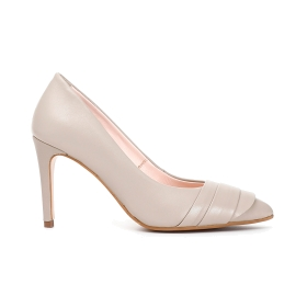 Nappa leather pumps with pleating worked on the toe